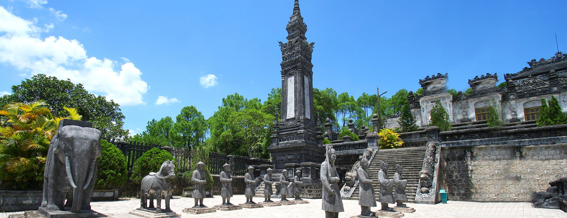 Check all this list while being in Hue, the imperial city of Vietnam