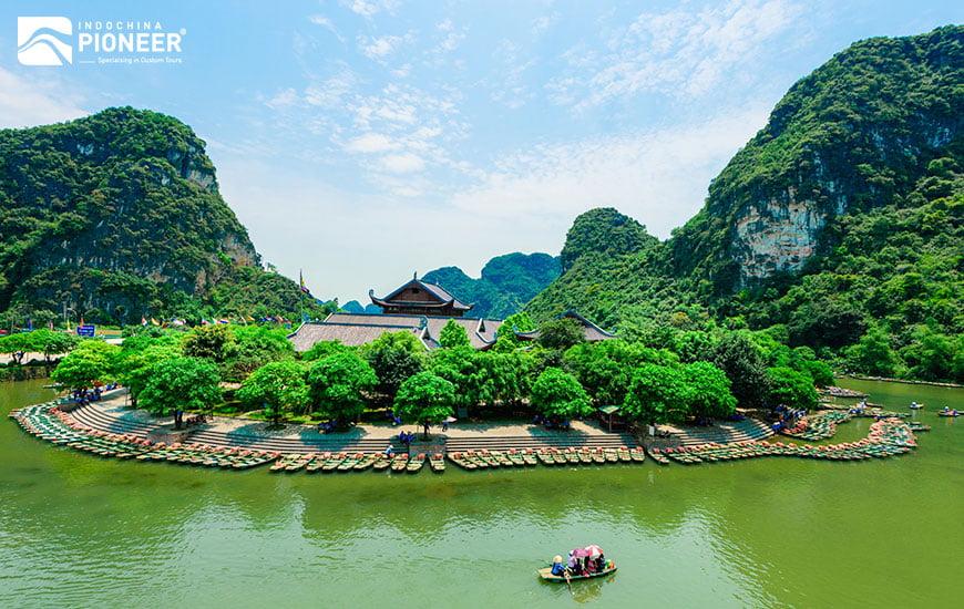 Hanoi Sightseeing & Shopping Spree